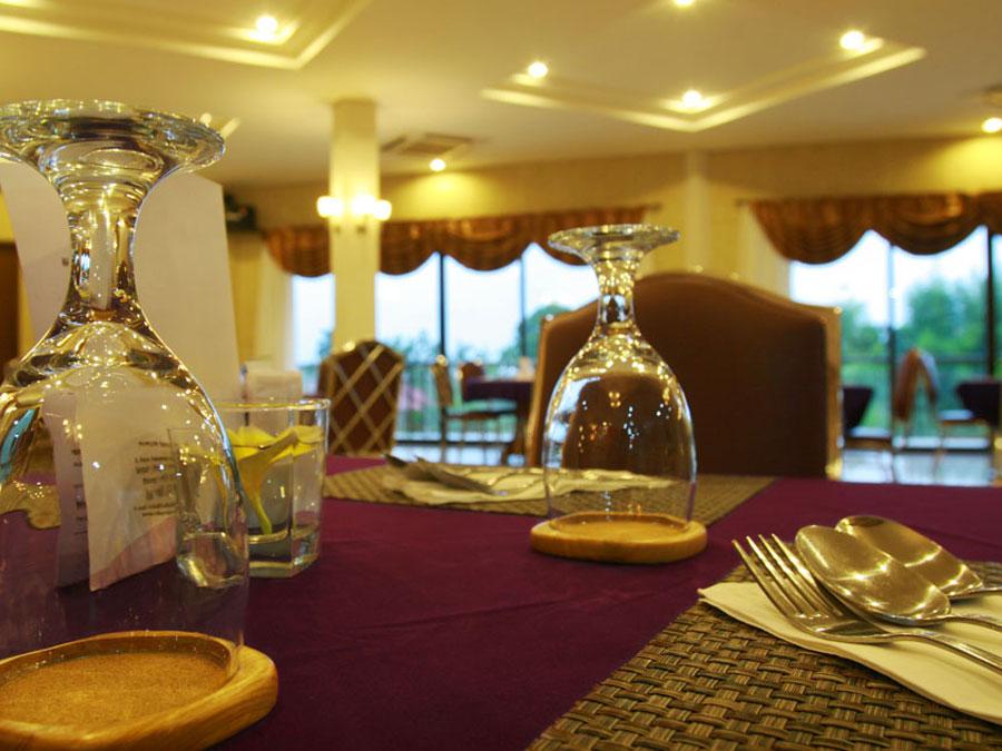 Restaurant Griya Darmawan Park