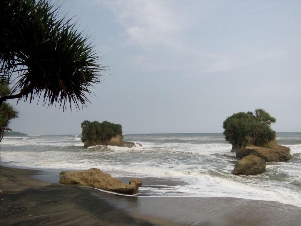 Pantai Panganten Sukabumi
